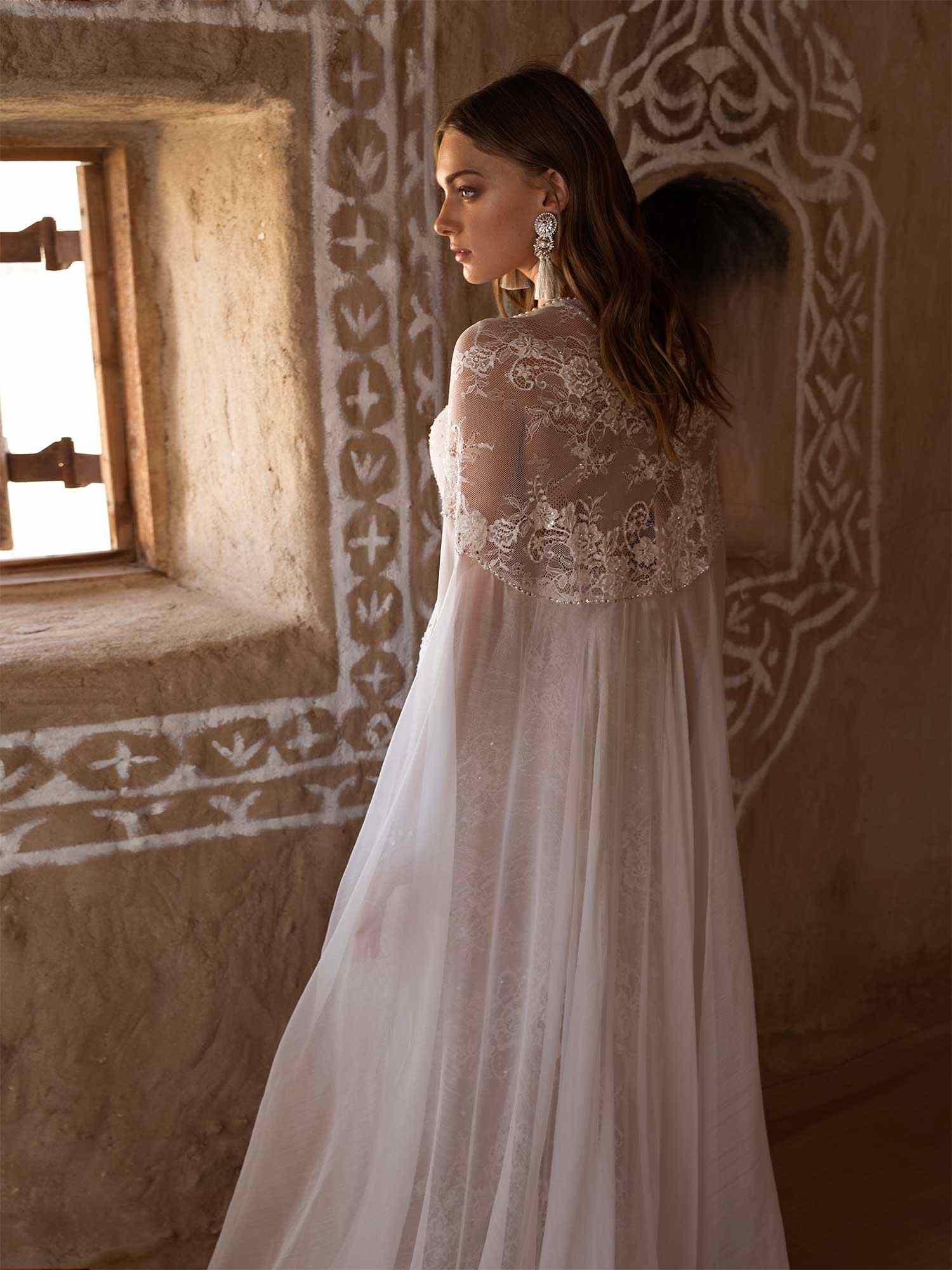 2019 Bohemian Wedding Dresses With Wraps Spaghetti Straps Lace Sequins Bridal Gowns Beach Mermaid Wedding Dress Robe De Mariee