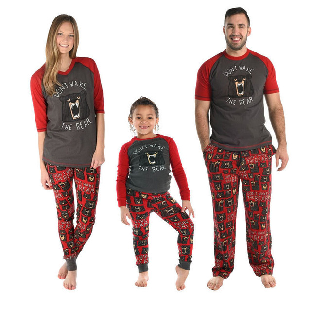 Family Outfits Mom Baby Mother Son Daughter Father Dad Matching Clothes  Matching Family Pajamas Dad Bear PJS-in Matching Family Outfits from Mother    Kids ... 2e61ab01f