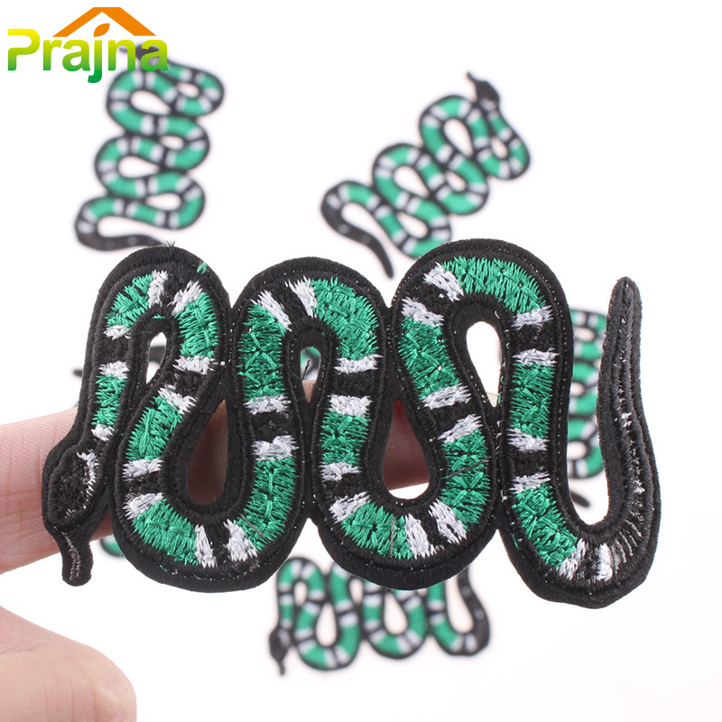 DIY Punk Rock Embroidery Green Snake Patch Badges Cheap Sew On Biker Patches For Clothes Stickers Kids Hippie Applique