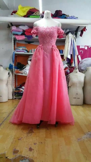 Charming Wedding Dresses Romantic Hand Made Flowers Applique Lace ...