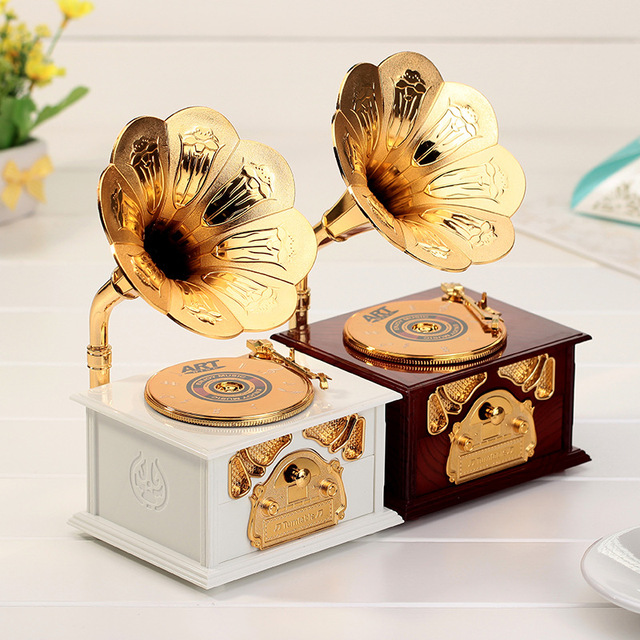 2017 Retro Gramophone Shape Musical Box Jewelry Box Vintage Music