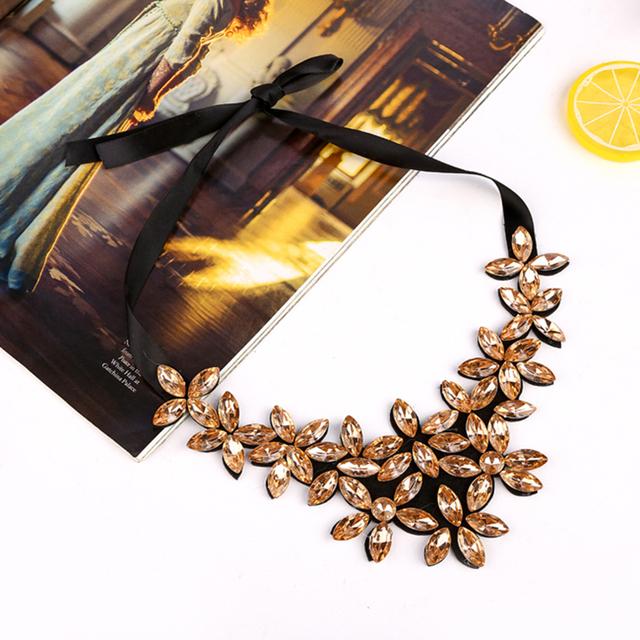 Fashion Crystal Flower Necklace