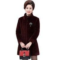 WAEOLSA Mujer Imitado Visón Falso Abrigo de Pieles Rojo Negro Caliente Abrigo de piel de Invierno de Mediana Edad las Mujeres Del Collar Del Mandarín Abrigo de Mujer 4XL