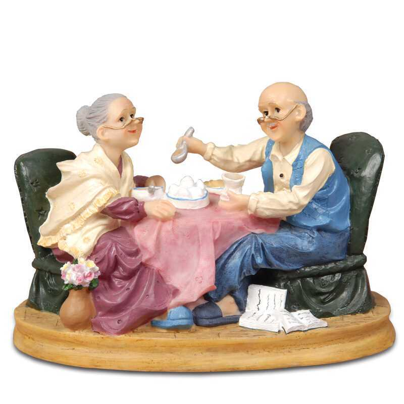 Creative Wedding Gifts Resin Grandparents Miniature Ornaments Old Parents Figurines Desktop Crafts Anniversary Gifts Home DecorCreative Wedding Gifts Resin Grandparents Miniature Ornaments Old Parents Figurines Desktop Crafts Anniversary Gifts Home Decor