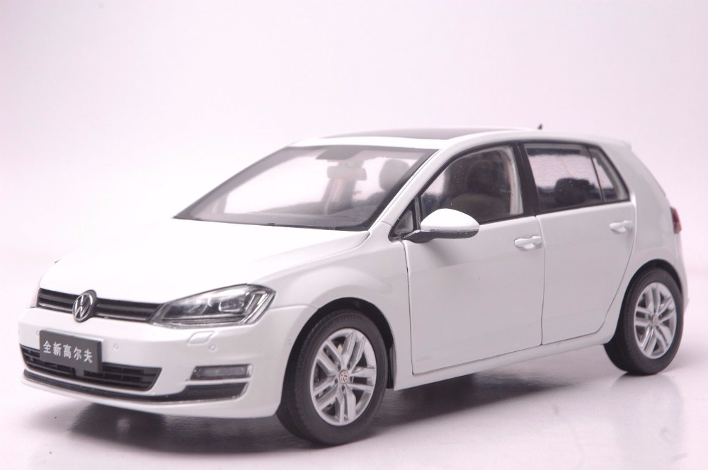 1:18 Diecast Model for Volkswagen VW Golf 7 White Alloy Toy Car Miniature Collection Gifts MK7