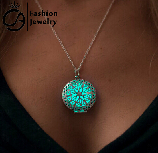 Necklace Glow in the Dark colar Jewelry Heart of the Sea Gifts for Her Teacher Gift Steampunk Glow Heart Locket Glowing Pendant