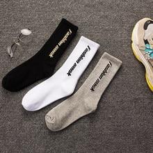 a16cb0dfa9699 3 paires/lot Hip Hop Hommes Longues Chaussettes de Instagram Rue Drôle  Planche À Roulettes Hommes Chaussette Harajuku Heureux Pu.