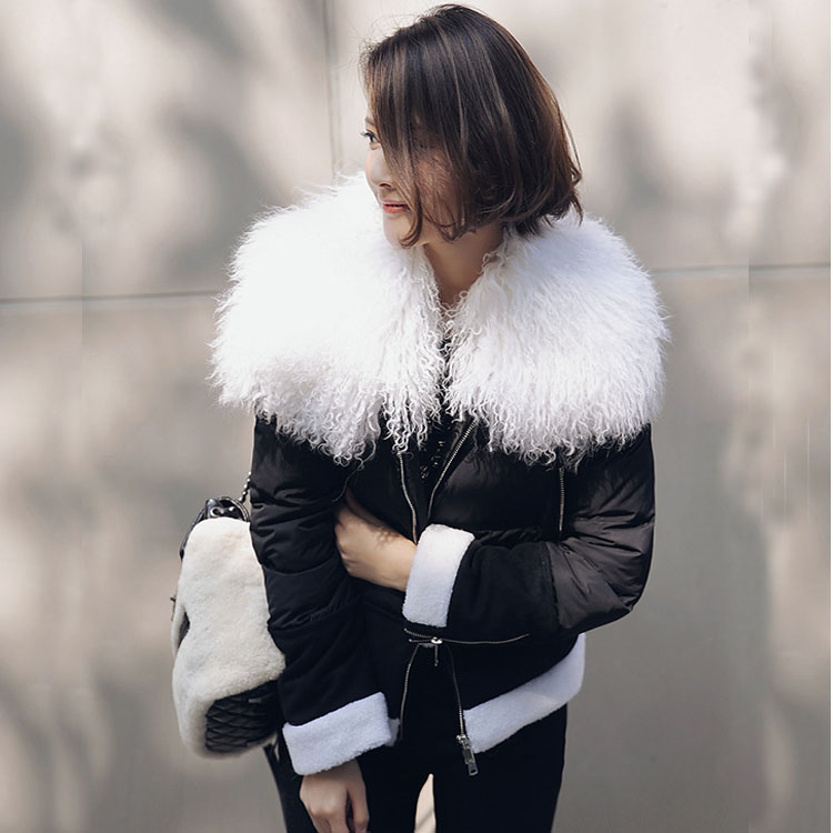 2018 winter women's duck   down     coat   short design with a large sheep wool fur collar fashion lady black and white jackets parkas