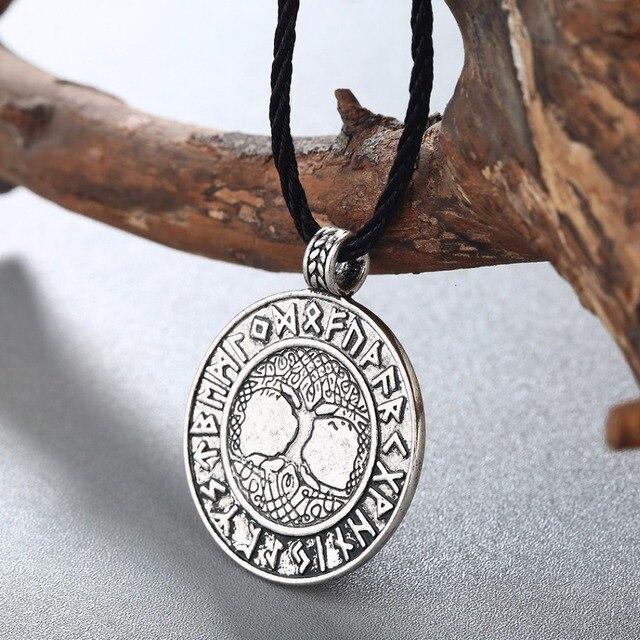 Collier nordique Vikings Runes 3