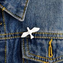 White bird Peace dove Pins Brooches Badges Hard enamel pins Lapel pin Denim jackets Backpack Bird jewelry Bird pin