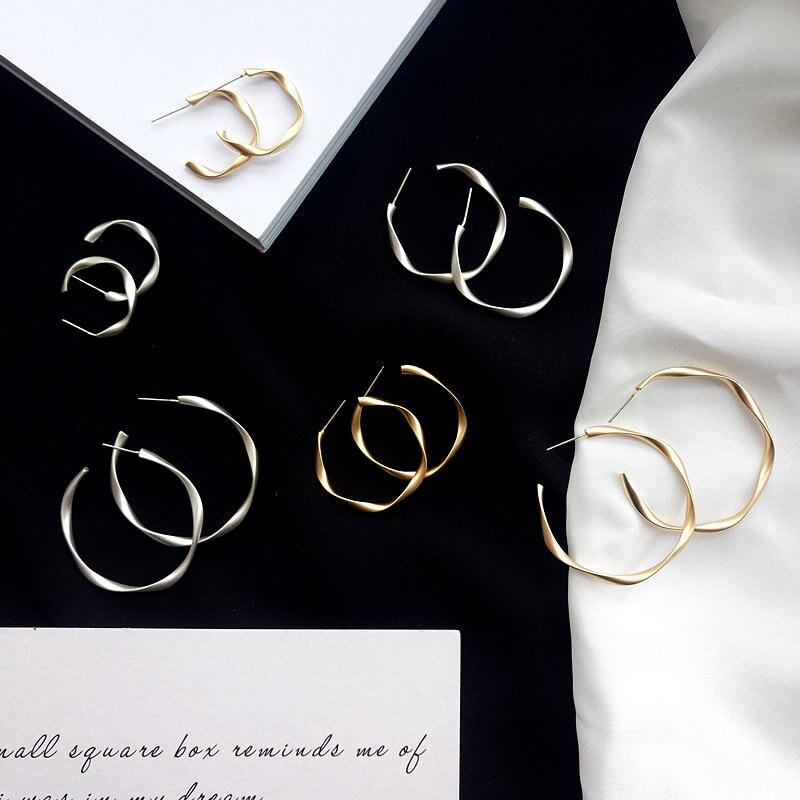 Brincos de ouro cor do vintage círculo simples espiral torção hoop brincos para as mulheres na moda geométrica redonda moda jóias presentes da menina