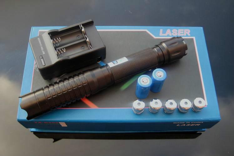все цены на Super High Power 450nm Blue Laser Pointer Torch Burning Paper Box with 5 caps онлайн