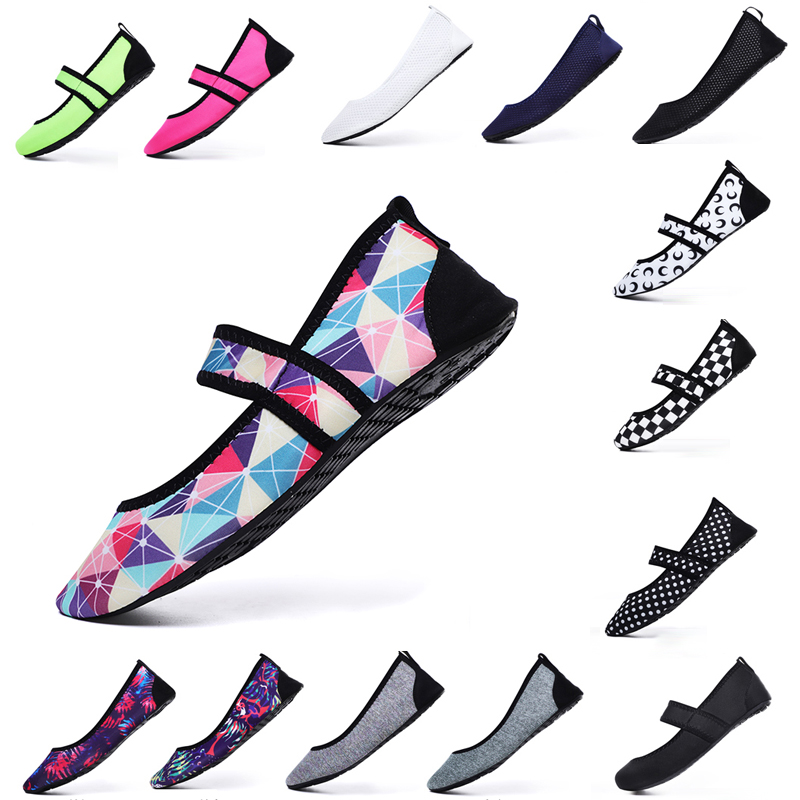 Slippers Swimming Water Swim Shoes Women Beach Shoe Aqua Socks Flat Soft Walking Yoga Shoes Non-slip Sport Sneakers