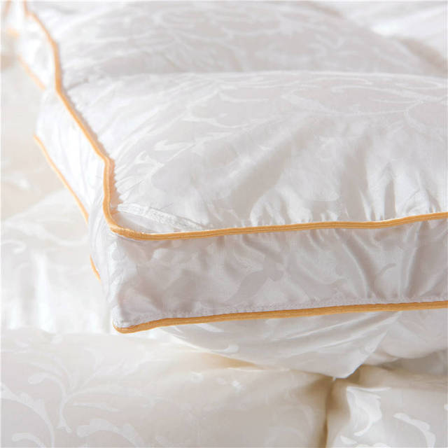 BeddingOutlet Silk Quilt Plain Leaves Jacquard Comforter Goose Down Thick Duvet Queen King Size Home Textiles