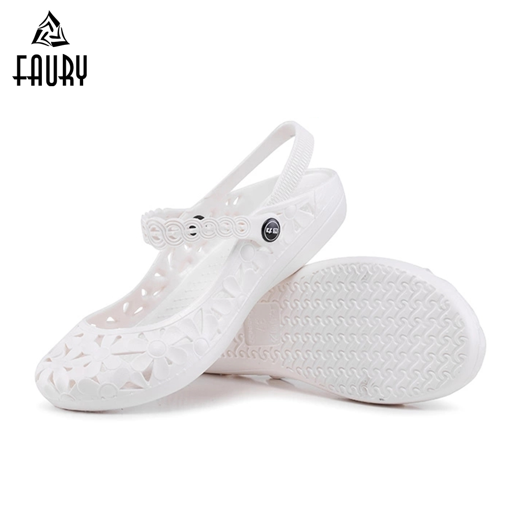Nurse Hollow Shoes Medical Slippers Hospital Work Shoes Women Garden Hole Shoes Flat Beach Sandals Summer Breathable White