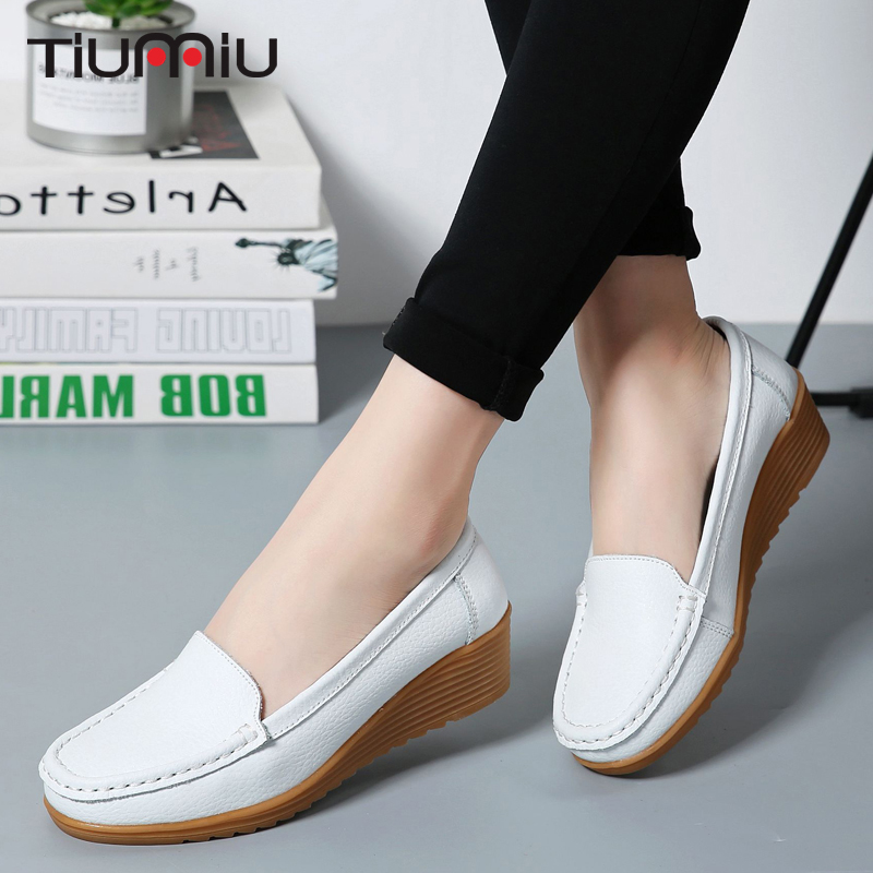 2018 Summer Soft Hospital Medical Shoes Nurse Doctors Non-slip Sandals Pregnant Woman Shoes Breathable Surgery Elderly Mom Shoes