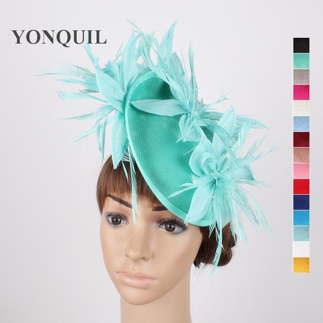 Nuovi colori verde smeraldo elegante signore cappelli fascinators capelli  con piume da sposa floreale headwear clip a9919284d016
