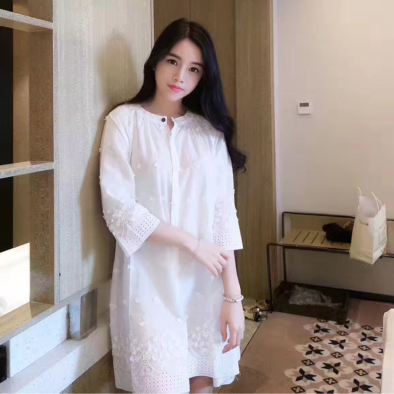 2018 Summer Embroidery Nightdress High Quality Pure Cotton White Princess Nightgowns Button Cardigan Sleepwear Elegant Bathrobes