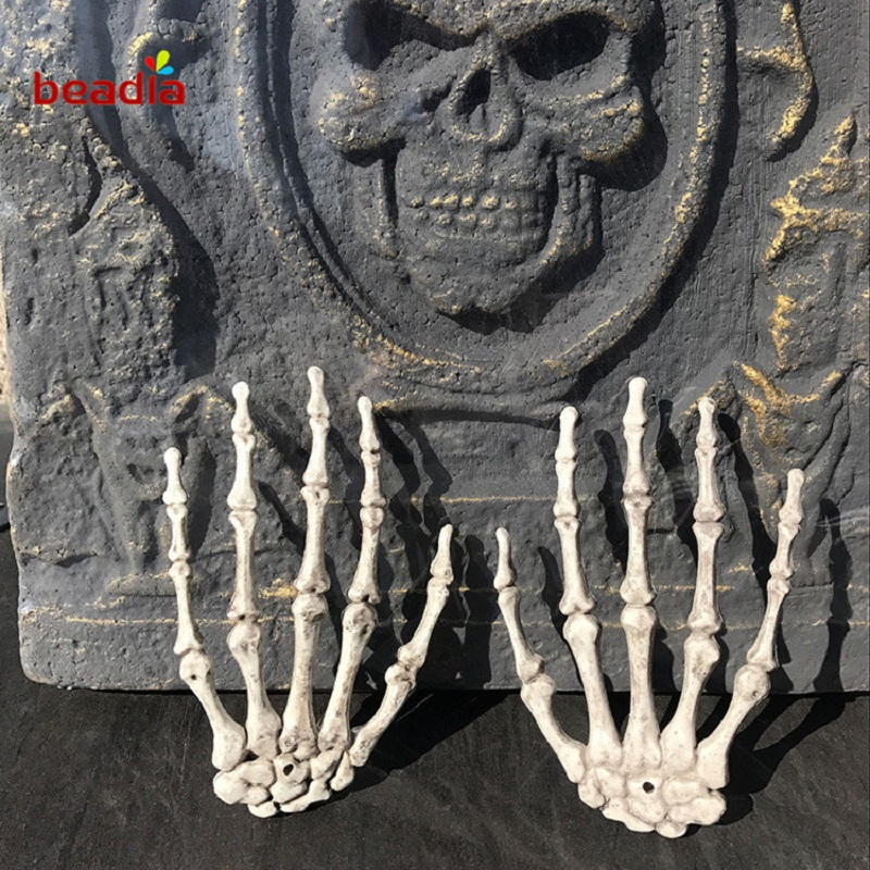 1 Pair Horror Plastic Skeleton Hands Haunted House For