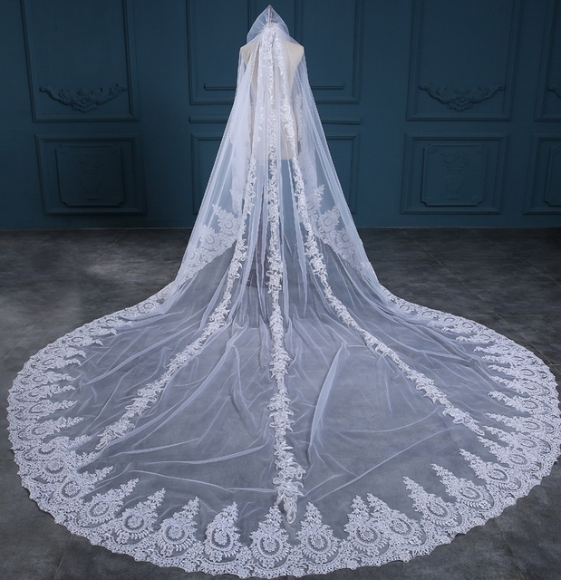 2017 Hot Sell Luxury Long 3.5 Meter Length 3 M Width Two Layers Appliques Veil With Comb Wedding Accessories for Bride