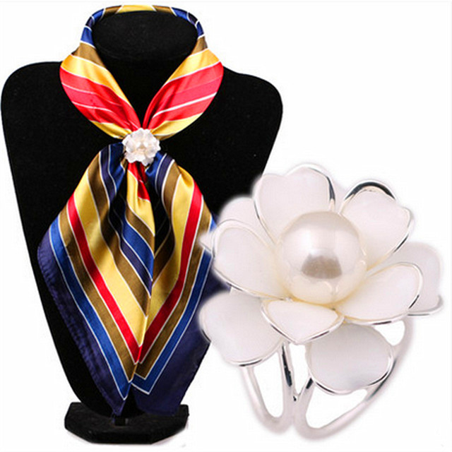 New Fashion brand Flower Lapel Pins Scarf Buckle Wedding Brooch Chic Lady Scarf Ring Clip Buckle Jewelry Scarves Buckle SK-005