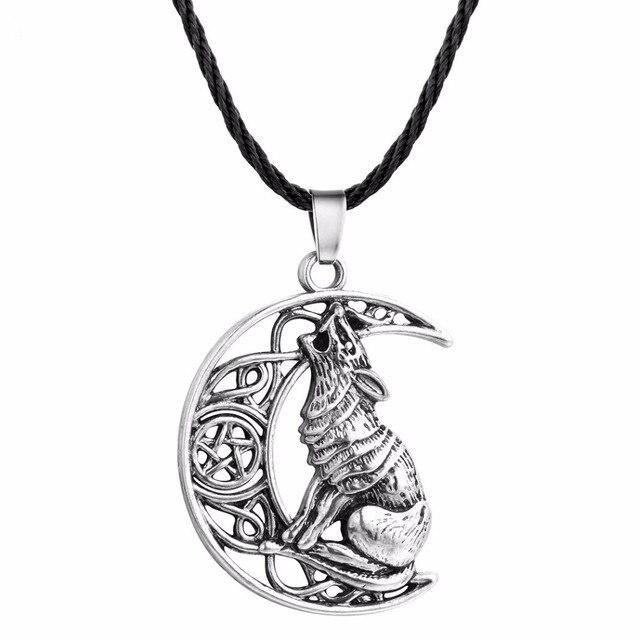Collier loup lune celtique  2