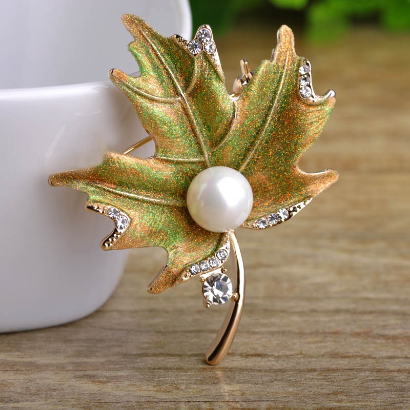 Blucome Fine Brooches For Women Party Icon Pins Maple Leaf Shiny Powder Enamel High Imitation Pearl Broche Dress Jewelry Gifts