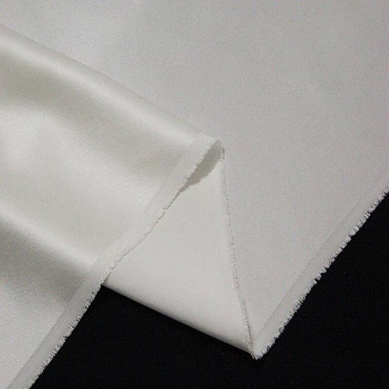Tissu de Satin de soie élastique 19 mm 95% soie de mûrier 5% spandex couleur blanc cassé 140cm 108 cm de large 30 m petit commerce de gros