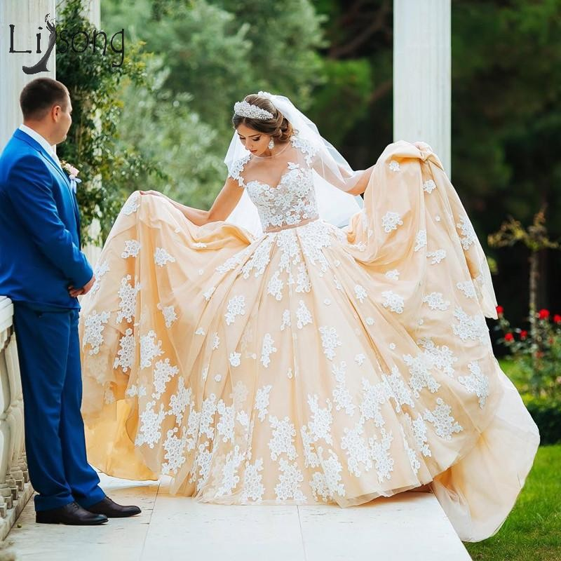 Romantic Champagne Lace 2019 Wedding Dresses Short Sleeves A line Elegant Bridal Gowns Arabic Wedding Gowns