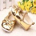 2016 venta caliente del bebé de la princesa brillante zapatos infantiles lindo Golden Princess Silver calzado niños moda Soft Sole zapatos