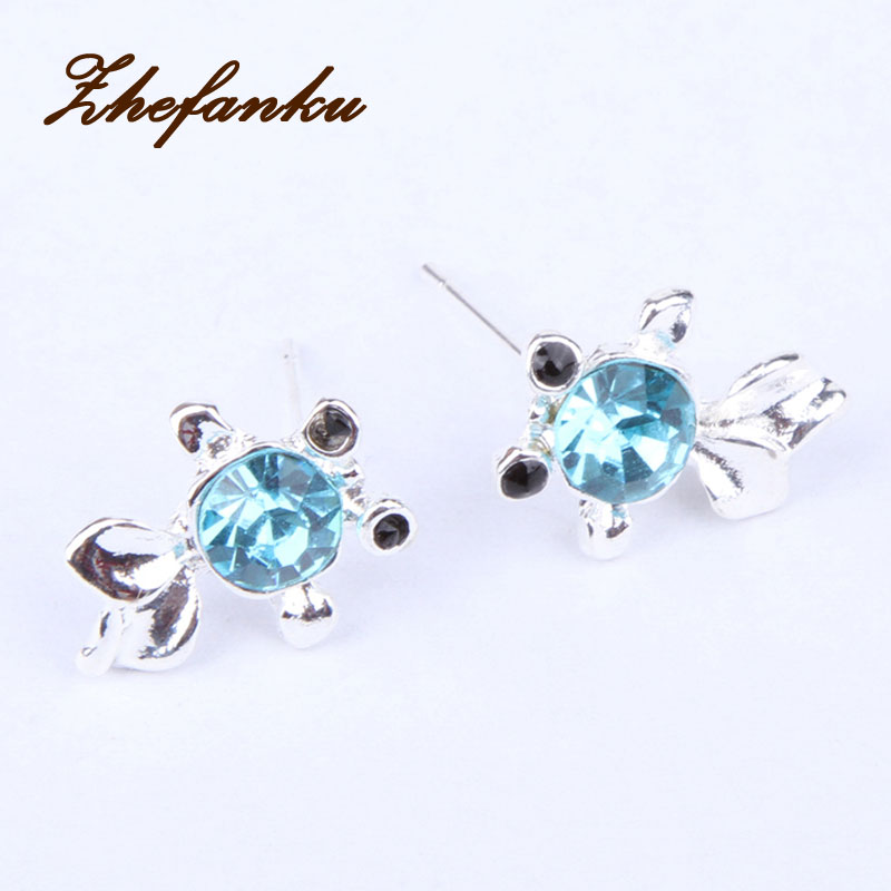 Charming Jewelry Gold Fish Shaped Crystal Rhinestones Inlaid Woman font b Earrings b font Color Gold