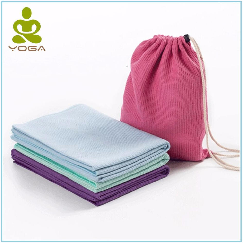 Exercise Towel With Pocket: 185 * 63cm Non Slip Yoga Mat Cover Towel With Fixed Pocket
