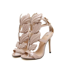 Women shoes 2018 Europe and the United States love luxury metal wings fine with ultra high-heeled  fashion street women sandals