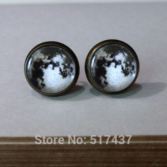 2015 New Design Full moon earrings studs glass dome studs galaxy space earrings jewelry black white moon galaxy  earrings