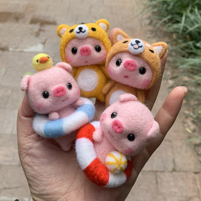 2019 Kids Creative Lovely Pink Pig Handmade Toy Doll Wool Felt Poked Kitting Non-Finished DIY Wool Felting Package