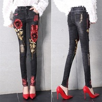 Новая мода 3D бойфренда Джинсы для женщин деним Блёстки Бисер зауженные джинсы Для женщин клуб Стиль уличные отверстия Рваные джинсы Femme