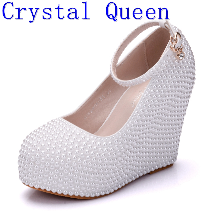 Crystal Queen Beige White Pearl Wedding Shoes Wedges With Matching Bags Women High heel Platrorm Shoes Woman High Pumps Party fashin new stunning rhinestone pearl wedding shoes crystal pride pedding high heel pumps dress pearl pregnant pumps shoes