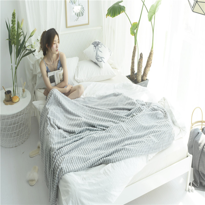 Simple Light Grey Solid Color Stylish Square 1PC Bed Blanket Fleece Blankets For Bed Throw Blanket Machine Washable Home TextileSimple Light Grey Solid Color Stylish Square 1PC Bed Blanket Fleece Blankets For Bed Throw Blanket Machine Washable Home Textile