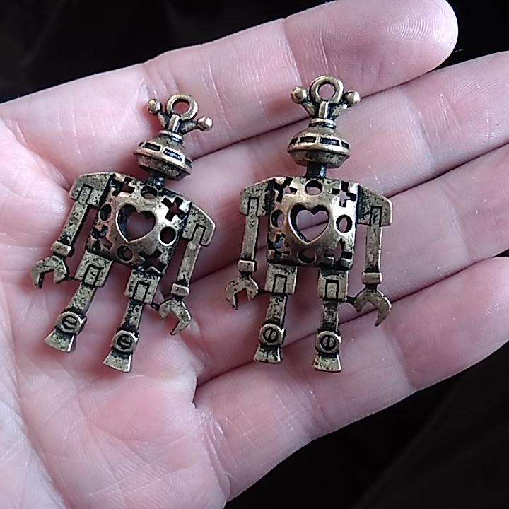 1pcs love heart steampunk 3D robot 45 24mm DIY Retro Bronze Jewelry Bracelet Necklace pendant Free