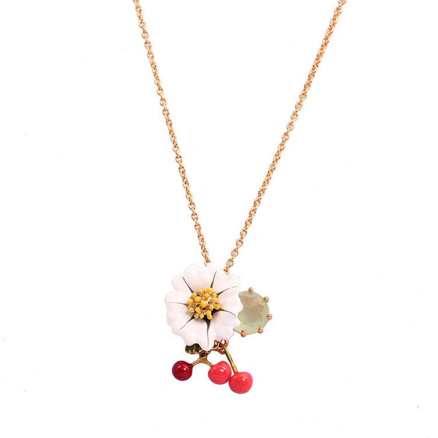 New Arrivals Enamel Glaze Fresh Daisy Crystal Cherry Electroplating Gold-plated Necklace Clavicle Chain Jewelry Women Best Gift