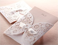Free Shipping 50pcs White Vintage Flower Laser Cut Wedding Invitation Card Wedding Pocket With Envelope One