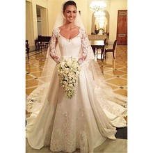 Elegant Long Sleeve Wedding Dresses Scoop Neck Botton Back Satin With Lace Appliques Formal Bridal Gowns For Women stylish scoop neck long sleeve lace up knitwear for women