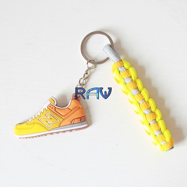 online retailer 2d854 13cab R$ 22.12 |High Quality!!! NB 574 Keychain New Balance 574 Keychains Yellow  Orange Keyrings Running Shoes Key chain with Phone Straps em Chave Cadeias  ...
