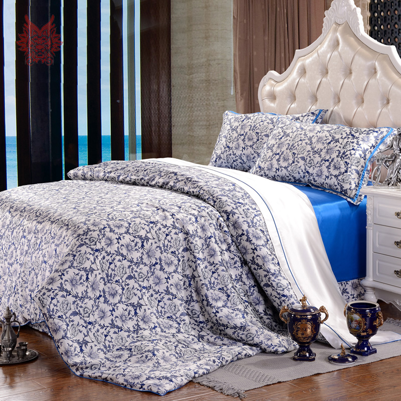 american style blue floral print 16mm 100 silk bedding set housse de couette bed sheet type cama. Black Bedroom Furniture Sets. Home Design Ideas