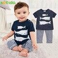 Детская одежда костюмы 2016 Летний Стиль Детская Одежда мальчик Одежда Устанавливает Три рыбы модель Хлопок Новорожденный babysuit Одежда