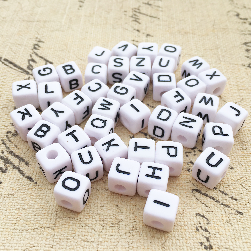 100pcs//bag Black Letter Alphabet Cube Beads White Acrylic DIY Bracelet Beads