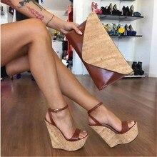 SHOFOO sapatos, Bonito da forma frete grátis, tecido de couro, 15 cm cunhas sapatas das mulheres, sandálias das mulheres. TAMANHO: 34-45