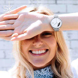 Image 4 - Shengke 여성 패션 시계 크리 에이 티브 레이디 캐주얼 시계 스테인레스 스틸 메쉬 밴드 세련된 Desgin 실버 쿼츠 시계 여성을위한