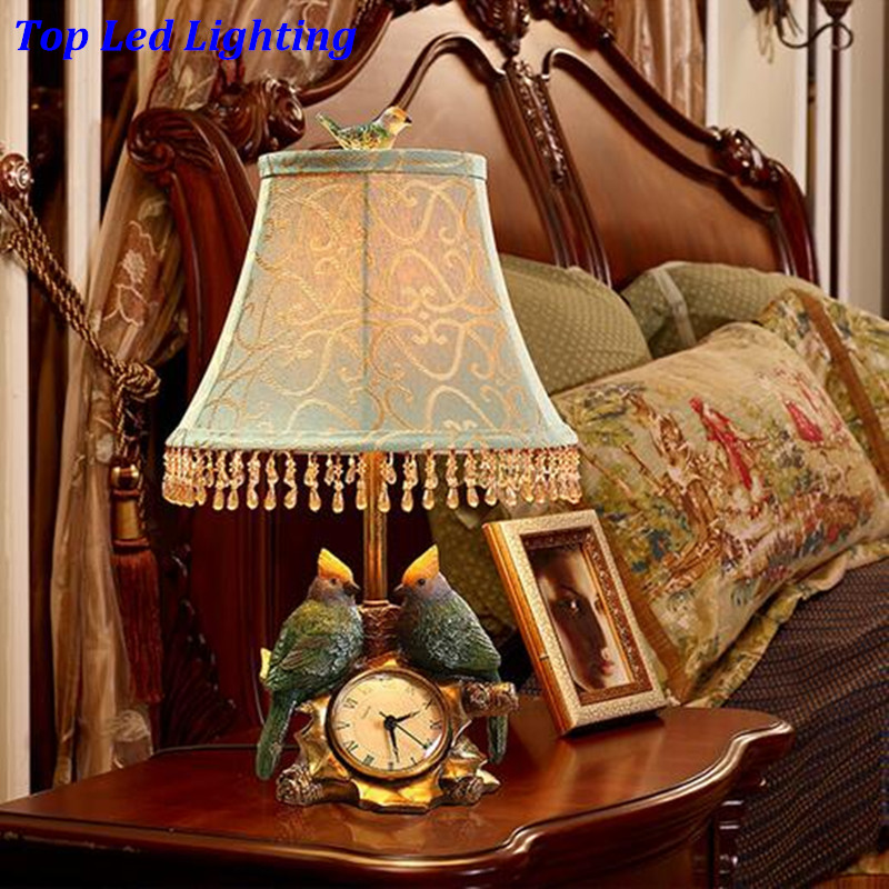 Винтаж Ретро Европейский смолы Товары для птиц Настольная лампа с часами для Гостиная Спальня исследование Свадебный деко E27 свет 80-265 В 1206