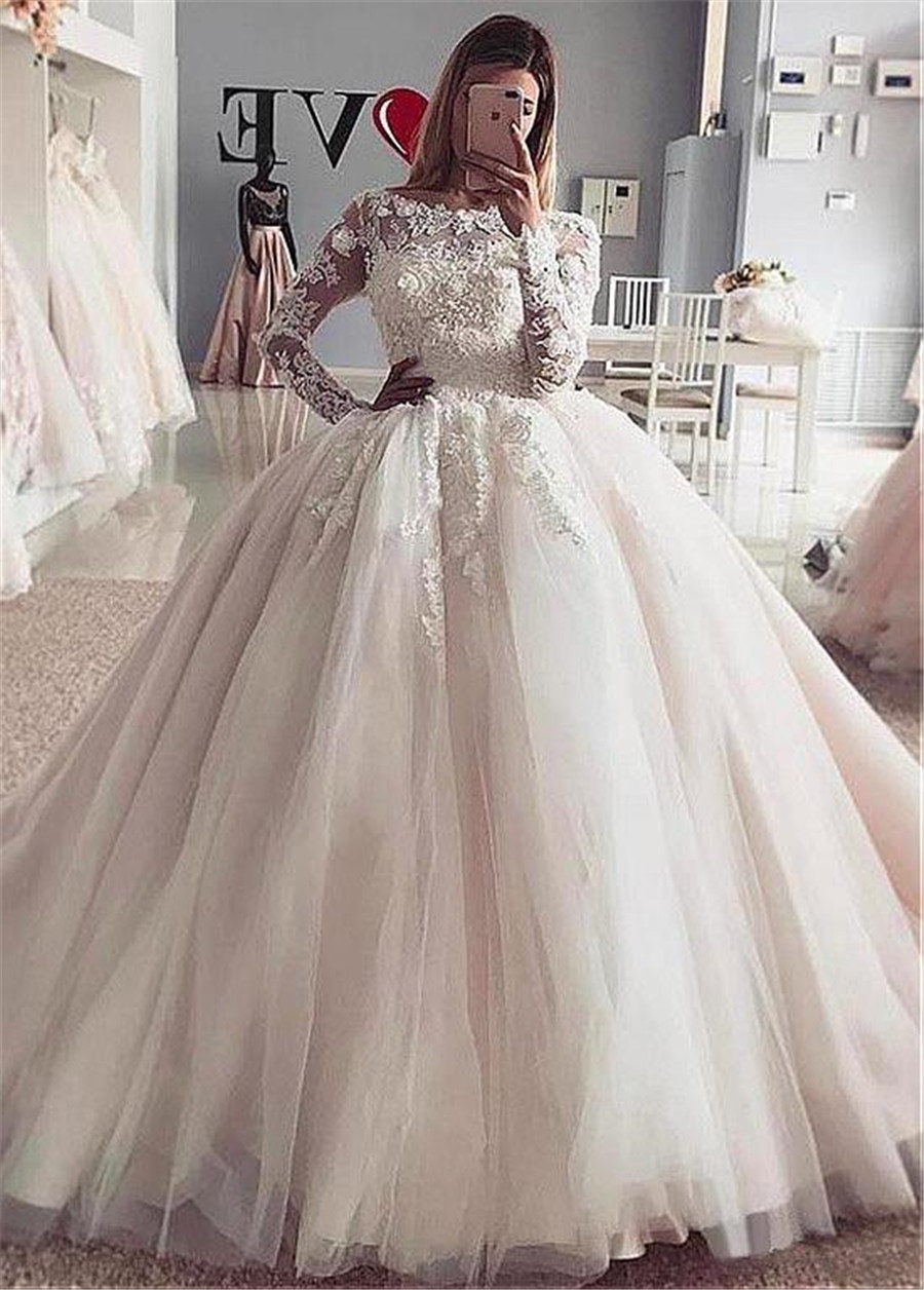 Exquisite Tulle Bateau Neckline Ball Gown Wedding Dress With Lace Appliques Long Sleeves Bridal Gown vestido